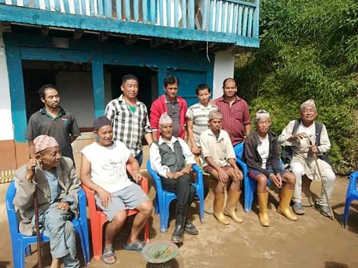 तेह्रथुममा नेकपाबाट वडासदस्यका उम्मेद्धारसहित १४ जना शिर्ष नेता काङग्रेसमा प्रवेश