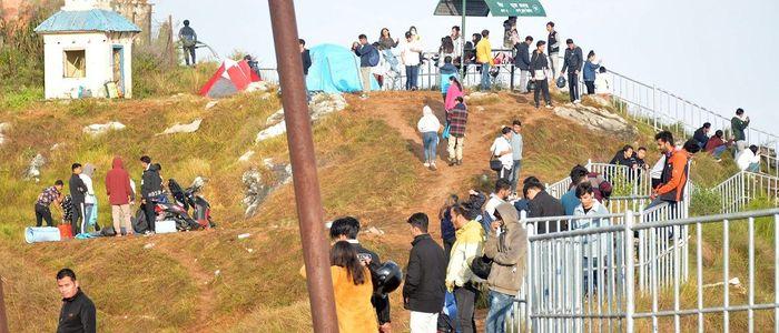 मानहुँकोटमा एकैदिन १० हजार पर्यटक