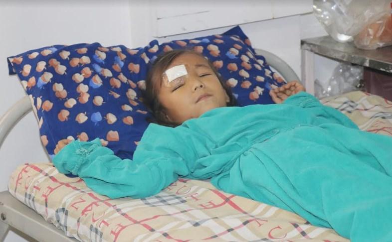 डा. सुनिल शर्माद्वारा बिपन्न परिवारकी बालिकाको निःशुल्क उपचार