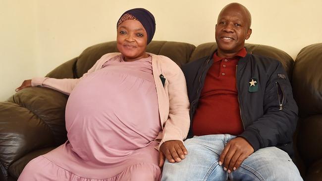 एकै पटक जन्माइन् सात छोरा, तीन छोरी! दक्षिण अफ्रिकाकी एक महिलाले